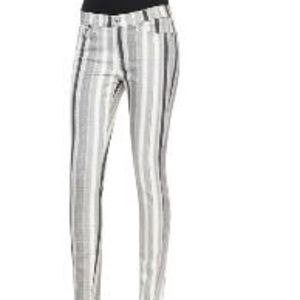 7 for all mankind-very comfy skinny jeans
